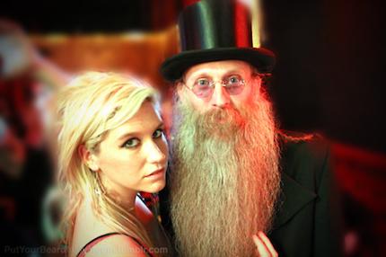 111208-kesha-beard.png
