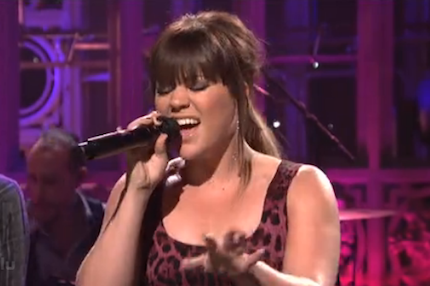 120109-kelly-clarkson-snl.png
