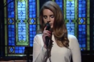 Lana Del Rey Steals Late-Night Spotlight From Nas, Evanescence, Korn