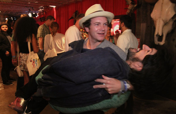 Danny Masterson goofs off in the SPIN Shed on Thursday evening.