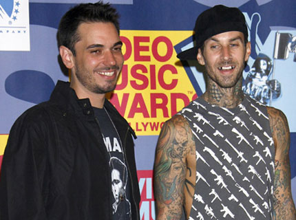 dj-am-travis-barker-vmas.jpg