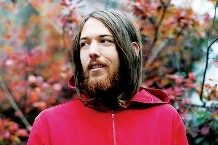 fleet-foxes-robin-pecknold.jpg