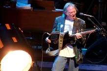 neil-young-main.jpg