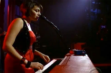 norah-jones-letterman.jpg