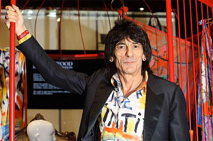 ronnie-wood-assault.jpg