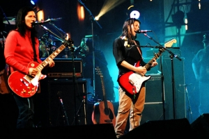 Kim and Kelley Deal on MTV's <i>Loud and Live</i> with Nirvana, 1993 / Photo by Jeff Kravitz/FilmMagic