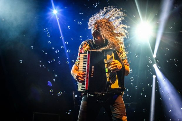 """Weird Al"" Yankovic / Photo by Ian Witlen"