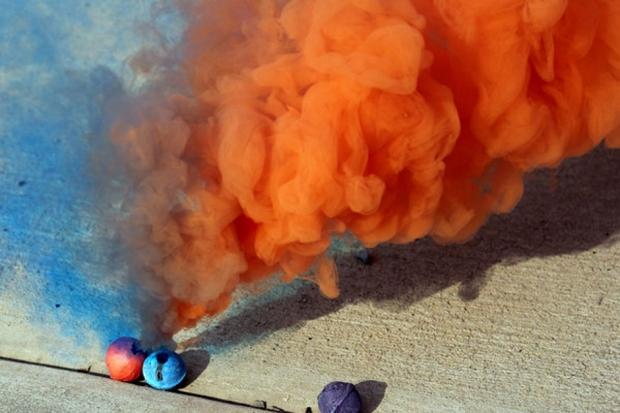 Как сделать цветной дым в домашних 380