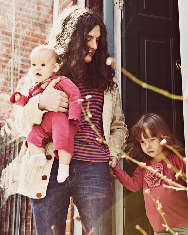 Vile with daughters Delphine and Awilda in front of their Philadelphia home / Photo by Michael Flores for SPIN