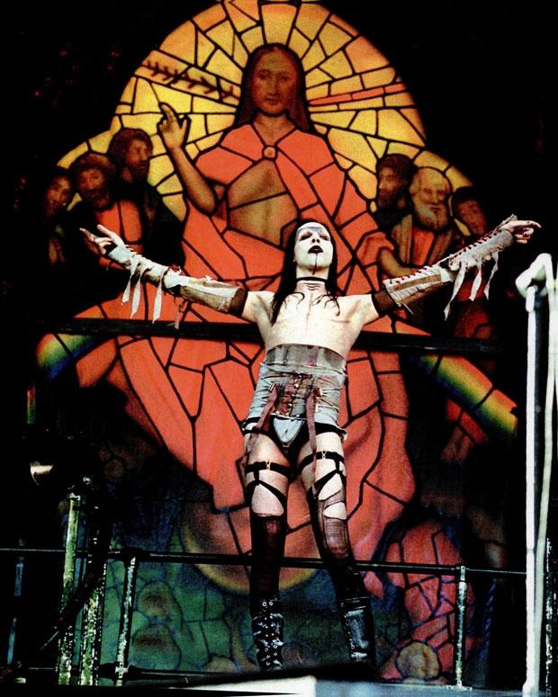 Manson at Ozzfest in 1997 / Photo by AP Photo/Michael Sypniewski